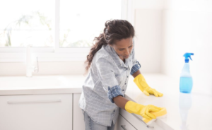 8 Easy Chores You Can Complete in Under a Minute